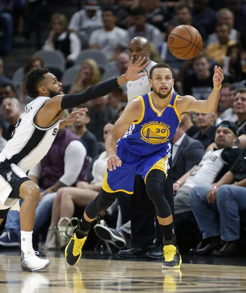 Curry scores 29, leads Warriors' rally over Spurs 110-98 (Mar 29, 2017)