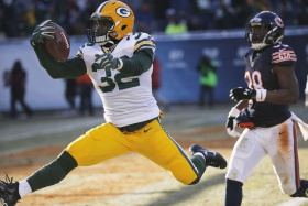 Packers: Running back Christine Michael re-signed, 2 other players visit