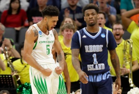Pair of late offensive rebounds are the difference for Oregon