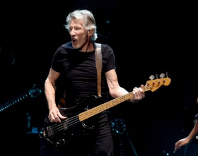 "Roger Waters – ""Smell The Roses"""