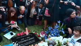Fans Mourn, Remember Chris Cornell at Public Memorial Service