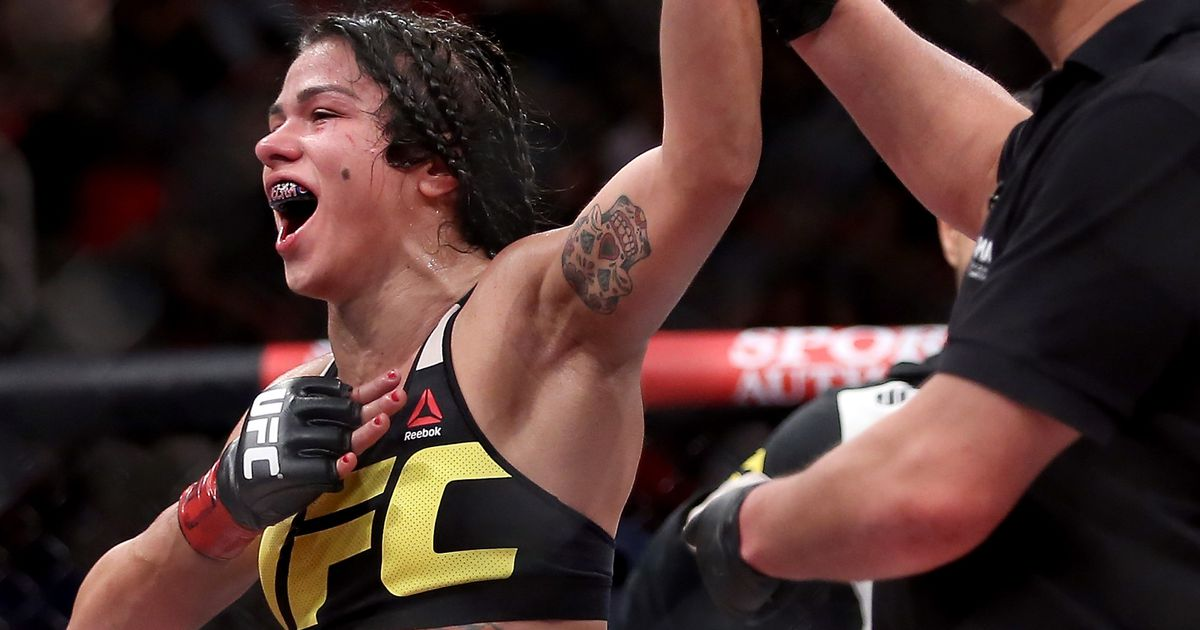 Claudia Gadelha makes quick work of Karolina Kowalkiewicz with first-round submission