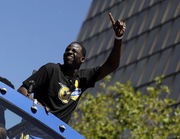 Draymond Green pokes at Cavs with 'Quickie' shirt during Warriors championship parade