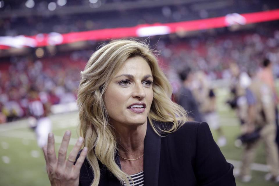 Erin Andrews, ex-NHL player Jarret Stoll marry in Montana