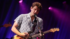 """John Mayer Previews Dive Bar Tour in L.A.: """"Here, the Gloves Are Off"""""""
