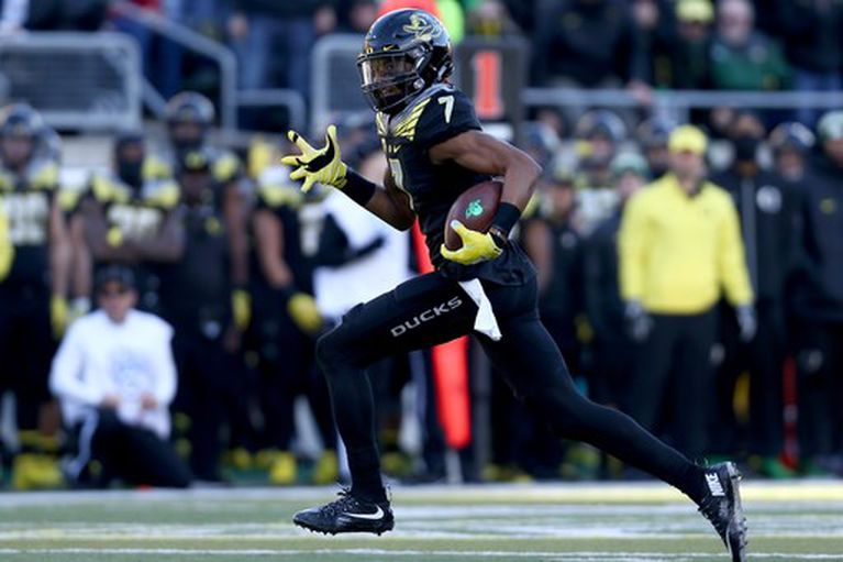 Oregon receiver Darren Carrington dismissed from the team