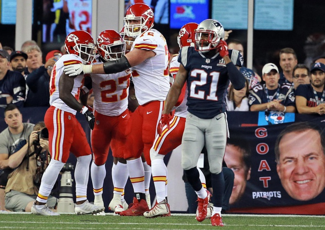 Howe: Patriots can sort this out, but wow the defense was bad in opener