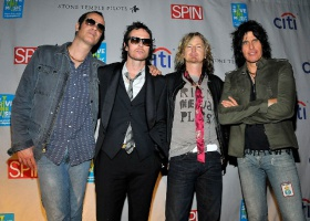 """Stone Temple Pilots – """"Only Dying"""""""