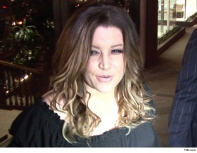Lisa Marie Presley To Sue Business Manager For Allegedly Squandering $100 Mil