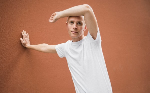 "Jens Lekman's ""Who Really Needs Who"" Knows It's Hard to Make Friends as an Adult"