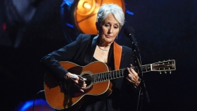 Joan Baez Plots Final North American Tour